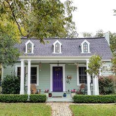 Exterior house colors purple lavender 54 Ideas for 2019 Cottage Garden Sheds, Cottage Door, Purple Front Doors, Purple Door, Exterior Paint Colors For House, Paint Colors For Home, Sage Green House, Frog House, Fantasy House