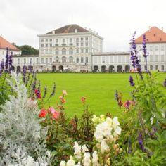 Jubiläumsfest Schloss Nymphenburg Dolores Park, Mansions, House Styles, Travel, Neuschwanstein Castle, Forts, Ruins, Castles, Viajes