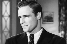 Marlon Brando, was a very famous American actor, notably for his Oscar-winning performances as Terry Malloy in On the Waterfront 1954 and Vito Corleone in The Godfather 1972 Marlon Brando, Marlon James, James Dean, Hollywood Icons, Vintage Hollywood, Classic Hollywood, Hollywood Actresses, Divas, Actrices Hollywood
