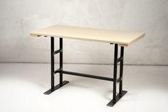 Table 240. Table metal base with emery effect, and top in pine tinted ivory aniline. Tavolo 240. Tavolo con base metallo effetto smerigliato e piano in pino tinto anilina.
