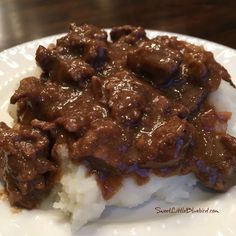 Today's tried and true is a recipe that's been a family favorite for over a decade - Best-Ever Beef Tips! BEST-EVER BEEF TIPS Tender beef cooked in a deliciously rich gravy, served over rice, mashed potatoes Beef Tip Recipes, Great Recipes, Cooking Recipes, Favorite Recipes, Stew Meat Recipes Quick, Recipes With Sauce, Amish Recipes, Quick Meals, Yummy Recipes