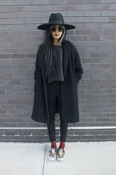 Gorgeous black outfit with hat, glasses and coats, pop of red and leopard print. Love this!