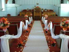 fotos de decorações de igreja para casamento