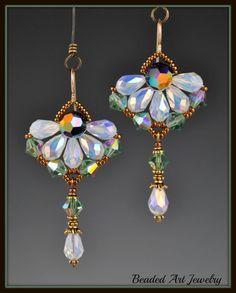 Beadwoven Beaded Beadwork Crystal Flower di beadedartjewelry