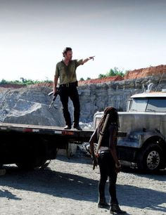 this picture is beautiful and I want to print it out on a giant poster that covers my whole wall #TheWalkingDead