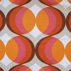 Classic orange and pink pop-art fabric, an original midcentury production. Purchased in Denmark, this vintage furnishing-weight fabric is a loose-weave, lightly slubbed wool/silk/manmade mix with a classic pop-art design in vibrant apricot or 1960s Aesthetic, Orange Aesthetic, Aesthetic Art, Pop Art Fashion, Caravan Decor, Baby Pop, Motif Vintage, Pop Art Design, Guys And Dolls