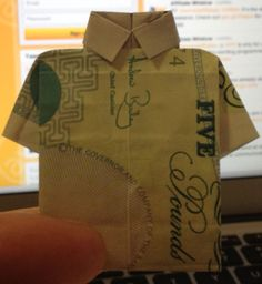 A rather impressive fiver shirt - folded by Chris from the team!