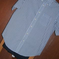 008 Camisa Nautica - Pantalón Dockers.