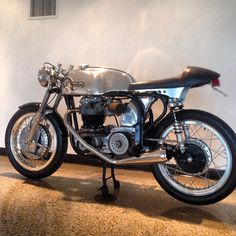 . British Motorcycles, Triumph Motorcycles, Vehicles, Triumph Bikes, Rolling Stock, Vehicle