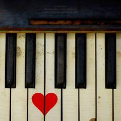 musical love: key board heart <3