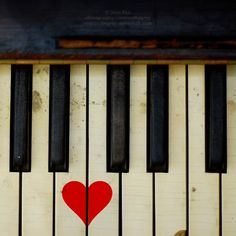 musical love: key board heart <3