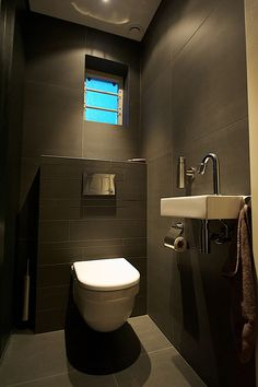 Villa toilet inrichting home toilet wc pinterest toilet and small rooms - Deco toilet ideeen ...