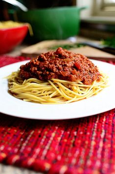 A Good Spaghetti Sauce Recipe (Meat Sauce) via the Pioneer Woman