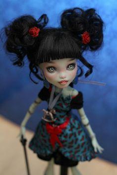 Monster High                                                                                                                                                                                 Mais
