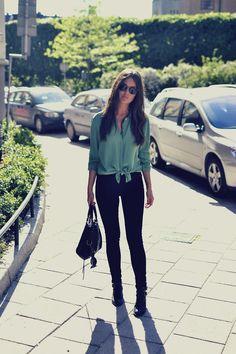 Get this look (blouse, jeans, bootie) http://kalei.do/Wsoj12g772kts5Sj