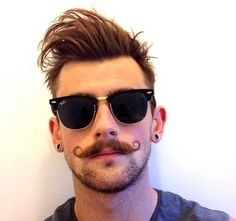 Hipster beards have become some of the most sought after beard styles in recent times. Here are 70 bold and sexy hipster beard styles to play. Beards And Mustaches, Moustaches, Handlebar Mustache, Beard No Mustache, Men's Grooming, Moustache En Crocs, Hipster Stil, Hipster Haircut, Hipster Hairstyles