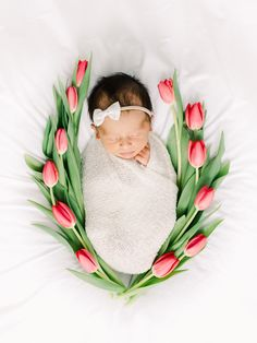 Newborn baby girl surrounded with flowers, In-home newborn photography photo inspiration by Juliana Kaderbek Photography, Cleveland Newborn Photographer naissance part naissance bebe faire part felicitation baby boy clothes girl tips Foto Newborn, Newborn Baby Photos, Baby Girl Photos, Newborn Shoot, Baby Girl Newborn, Baby Pictures, Newborn Girl Pictures, Newborn Nursery, Baby Boys