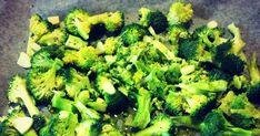 Olin aina luullut, että ainoa tapa kokata parsakaalia oli keittäminen tai höyryttäminen. Selatessani internetiä löysin kuitenkin reseptin, j... Healthy Recipes, Healthy Food, Broccoli, Food And Drink, Vegetables, Healthy Foods, Healthy Food Recipes, Vegetable Recipes, Healthy Eating Recipes