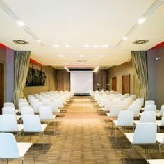 Book your conference rooms in Edinburgh at Apex Waterloo Place Hotel with space for up to 150 people, natural daylight and free Wi-FI.