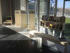 "Mobilier d'exposition éco-conçu ""Less is more_"" (agence béô design) Dining Table, Furniture, Design, Home Decor, Radiation Exposure, Turtle, Rennes, Decoration Home, Room Decor"