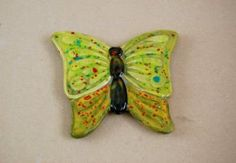 "<br>Bisque butterfly plaque in earthenware ceramic.<BR><BR>  NB: THERE ARE NO HOLES IN BUTTERFLY (unlike the image shown in our hard-copy and e-catalogue).<BR><BR> Great wall decorations or wall art objects. <BR><BR>A ""paint your own"" pottery blank or plaster shape.  Paint item with poster paints  acrylics  Decopatch or decoupage and finish/seal with a coat of craft varnish. Alternatively  to make the item more durable  paint or decorate shape wi..."