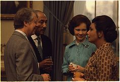 Jimmy Carter, President of Egypt Anwar Sadat, Rosalynn Carter and Mrs. Jihan Sadat., 04/04/1977