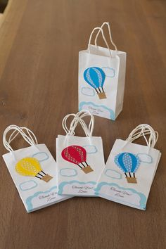 NEW Hot air balloon Favor bags Set of 12 Personalized Mini Balloons, Yellow Balloons, Baby Shower Balloons, Baby Shower Parties, Baby Boy Shower, Balloon Cupcakes, Balloon Party, Planes Party, Water Party