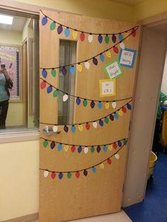 classroom doors decorations ideas | Classroom holiday door decoration. The lights ... | Bulletin Boards ...