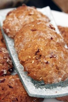 Овсяные печенья с вишней, грецкими орехами и миндалем
