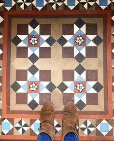 Unique Tile, Floor Design, Floors, Tile Floor, Rugs, Instagram Posts, Pattern, Beautiful, Home Decor