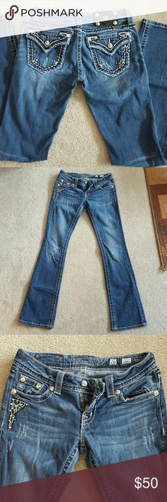 Miss me jeans size 26R Miss me jeans in very good condition! No wear on the bottoms. Miss Me Jeans Boot Cut