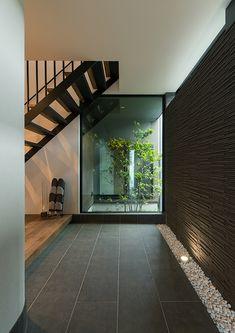 Trendy Home Plans Modern Interiors Ideas Modern Entrance, House Entrance, Grey Interior Design, Interior And Exterior, Modern Zen House, Porche, Japanese House, Minimalist Interior, Plan Design