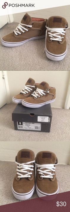 New Globe Skate Shoes Boys size 6 fits women's 7 or 7.5. Brand new comes with original box only worn around the house once! Color is tan/camel/earth Globe Shoes Sneakers