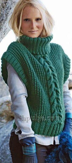 Зеленая безрукавка с высоким воротником