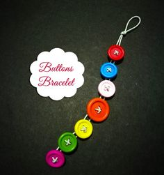 Are you looking for a cute and creative activity for kids or young teens to do on a weekend or holiday? Try this very easy kids craft: buttons bracelet! Creative Activities For Kids, Easy Crafts For Kids, Crafty Projects, Diy Projects To Try, Button Bracelet, Bracelets, Buttons, Holiday, Vacations