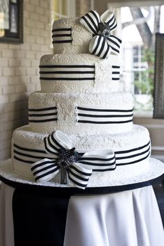 Cake created based upon the iconic image of Audrey Hepburn in the Ascot dress by Mark Lotti, Classic Cheesecakes and Cakes.