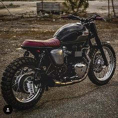 When a triumph is done right. Bravo @kinetic_motorcycles, so impressed by this Triumph Bonneville T100 scrambler! #triumph #triumphbonneville #bonneville #tracker #caferacer #caferacers #bratbike #bratstyle #scrambler #custombuild #custombuilt #caferacerculture #rocker #rideordie #motorbike #motorcycle #vintage #tonup #tonupboys #dotheton #maverickmotorcycles