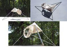 De triangles assemblés - by Philippe Chesneau - rép. nº 1554 -Céramique, rilsan, acier - dim. H 49 x L 109 x P 66 cm