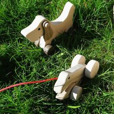 Wooden Toy Dog and Toy Frog Kids Toys Online, Dog Toys, Wooden Toys, Education, Store, Life, Wooden Toy Plans, Wood Toys, Woodworking Toys
