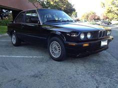 1990 bmw 325is schwartz black on c.l.....mmmm