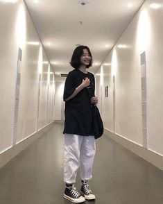 ✔ Aesthetic Outfits Korean Jeans in 2020 Edgy Outfits, Korean Outfits, Mode Outfits, Retro Outfits, Cute Casual Outfits, Grunge Outfits, Girl Outfits, Fashion Outfits, Korean Clothes