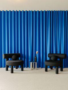 KaDeWe's Customer Service by Vanessa Heepen & Claire Wildenhues Alvar Aalto, Architecture Details, Interior Architecture, Interior Design, Central Table, Pastel Interior, Blue Curtains, House Restaurant, Retail Interior