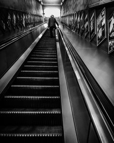 To the imitation zone. Forget it brother you can go it alone.  #londonart #londoncity #art #photography #blackandwhitephotography #photography #artgallery #londoncity #comtemporaryart #architecture #architecturephotography #tate #tatebritain #london #britshphotography #londoncalling #fransferdinand #thetube #yube #londontube #londonunderground
