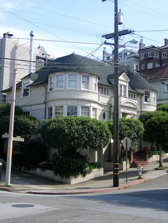 Mrs Doubtfire house in San Francisco. Next time we go, we're going here and the full house house!