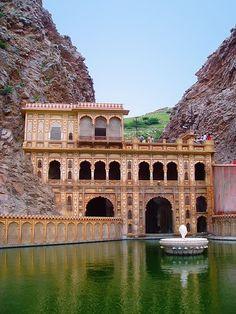 Galtaji Temple in Jaipur, Rajasthan, India Goa India, India Tour, Delhi India, Taj Mahal, Varanasi, Places To Travel, Places To See, Places Around The World, Around The Worlds