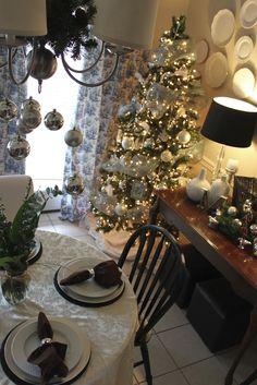 Miller Musings - dining room Christmas deco
