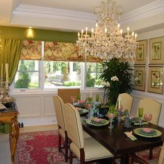 Eccentric Vintage Chandeliers Embracing White Nuance Decoration: Fabulous Traditional Dining Room Design Interior With Small Furniture And C. Sunroom Dining, Green Dining Room, Elegant Dining Room, Beautiful Dining Rooms, Green Rooms, Dining Room Design, Beautiful Homes, Dining Chairs, Traditional Dining Rooms