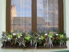 Zimní truhlík 2 Xmas Decorations, Windows, Plants, Image, Google, Noel, Plant, Christmas Door Decorations, Christmas Decor