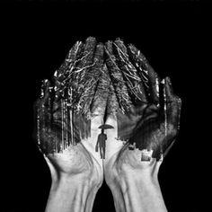 winter in my hands by: Ronny Engelmann