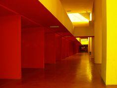 Itinerario Milano Terra Incognita: 2° giornata. Visita al complesso residenziale Monte Amiata progettato da Carlo Aymonino. (Foto di Barbara Palazzi) #monteamiata #Aymonino#AldoRossi